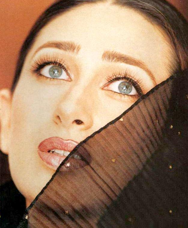 Karishma Kapoor Eyes